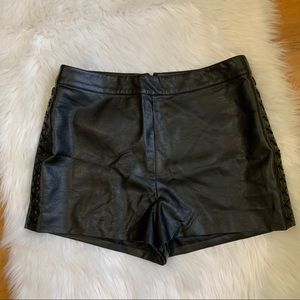 NWT/Topshop black leather woman short/US10